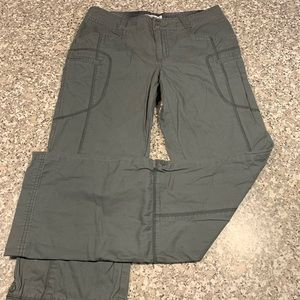Columbia outdoor wear pants/capris size 6 GUC